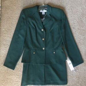 🔴High Quality Spruce Green Lined Suit-Size 10
